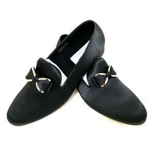 Black with gold satin slip on shoe smoker